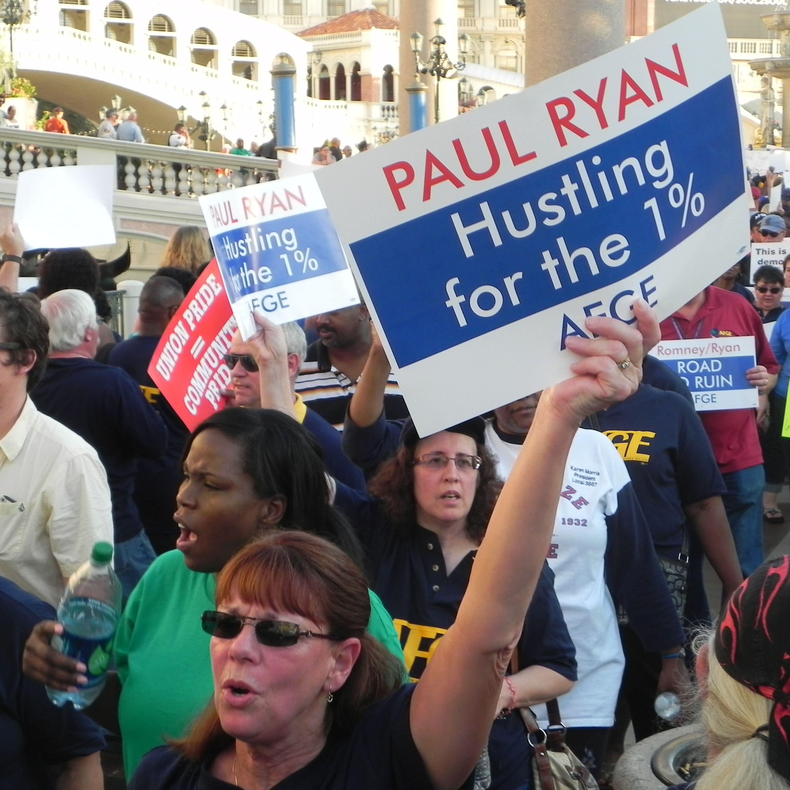 Democrats PANICKING: Polls Beginning to FAVOR